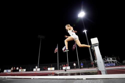 Neuer Kreisrekord für Leah Hanle über 3.000m Hindernis